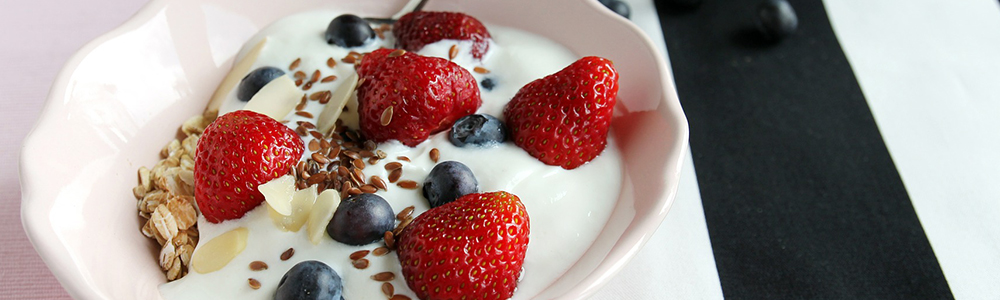 Yogurt and granola
